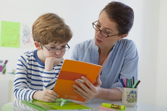 What's the difference between dyslexia and dyspraxia?